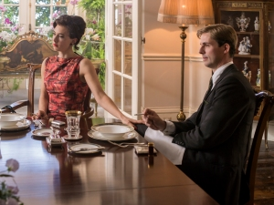 Crown-Season-2-Margaret-and-Tony-at-Clarence-House-AlexBaileyNetflix